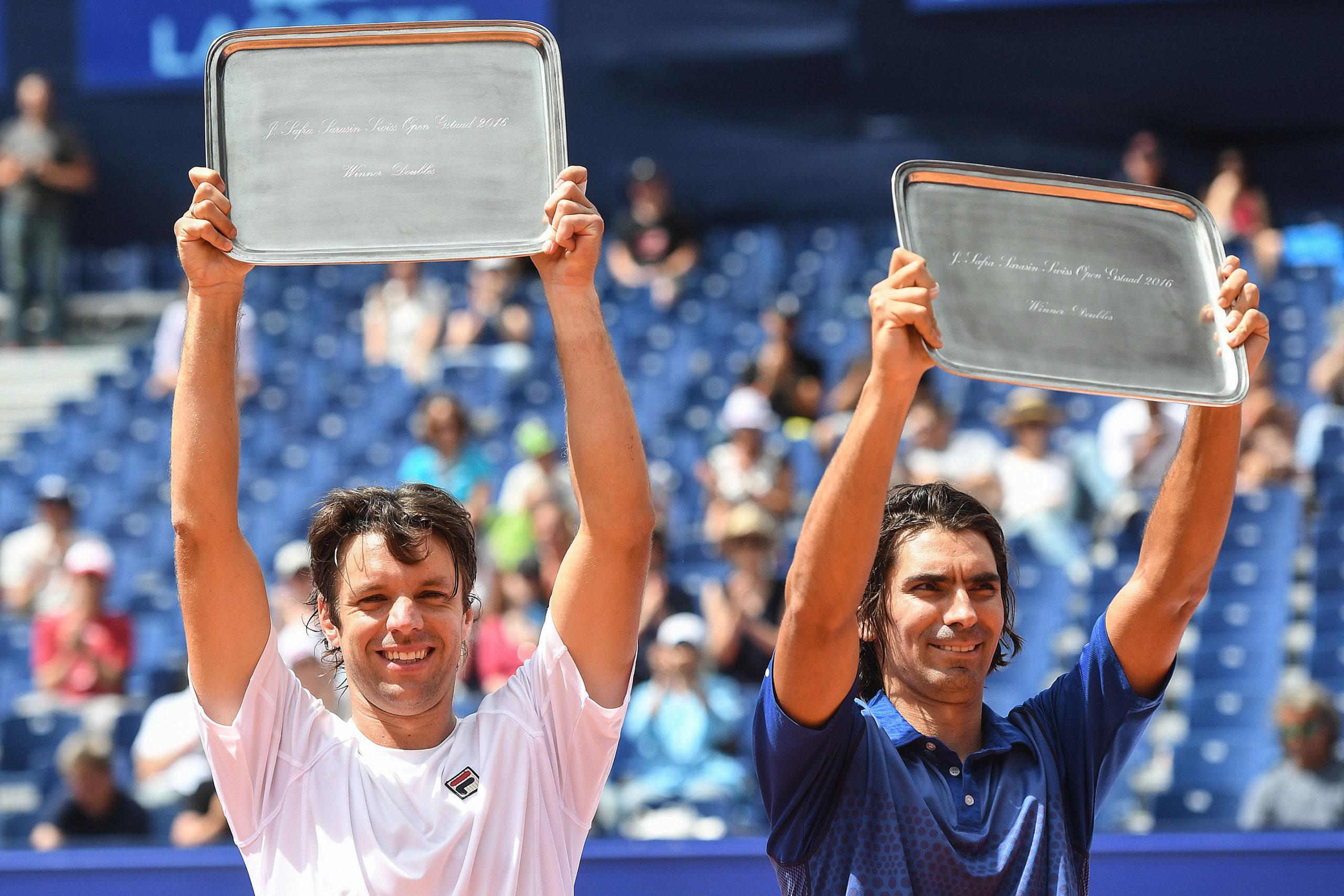Horacio Zeballos y Julio Peralta con el título ganado en alto. (Foto: Valeriano Di Domenico)