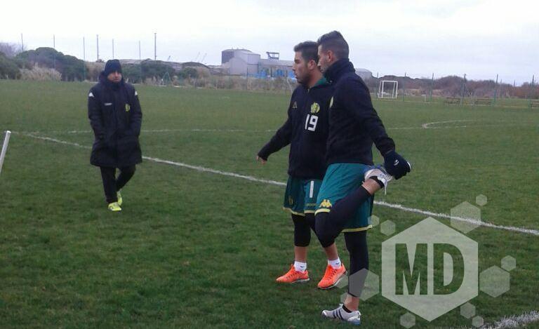 Nahuel Yeri junto con Nicolás Miracco en la práctica de esta mañana. (Foto: Alexis Damboriana - Marcadeportiva.com)