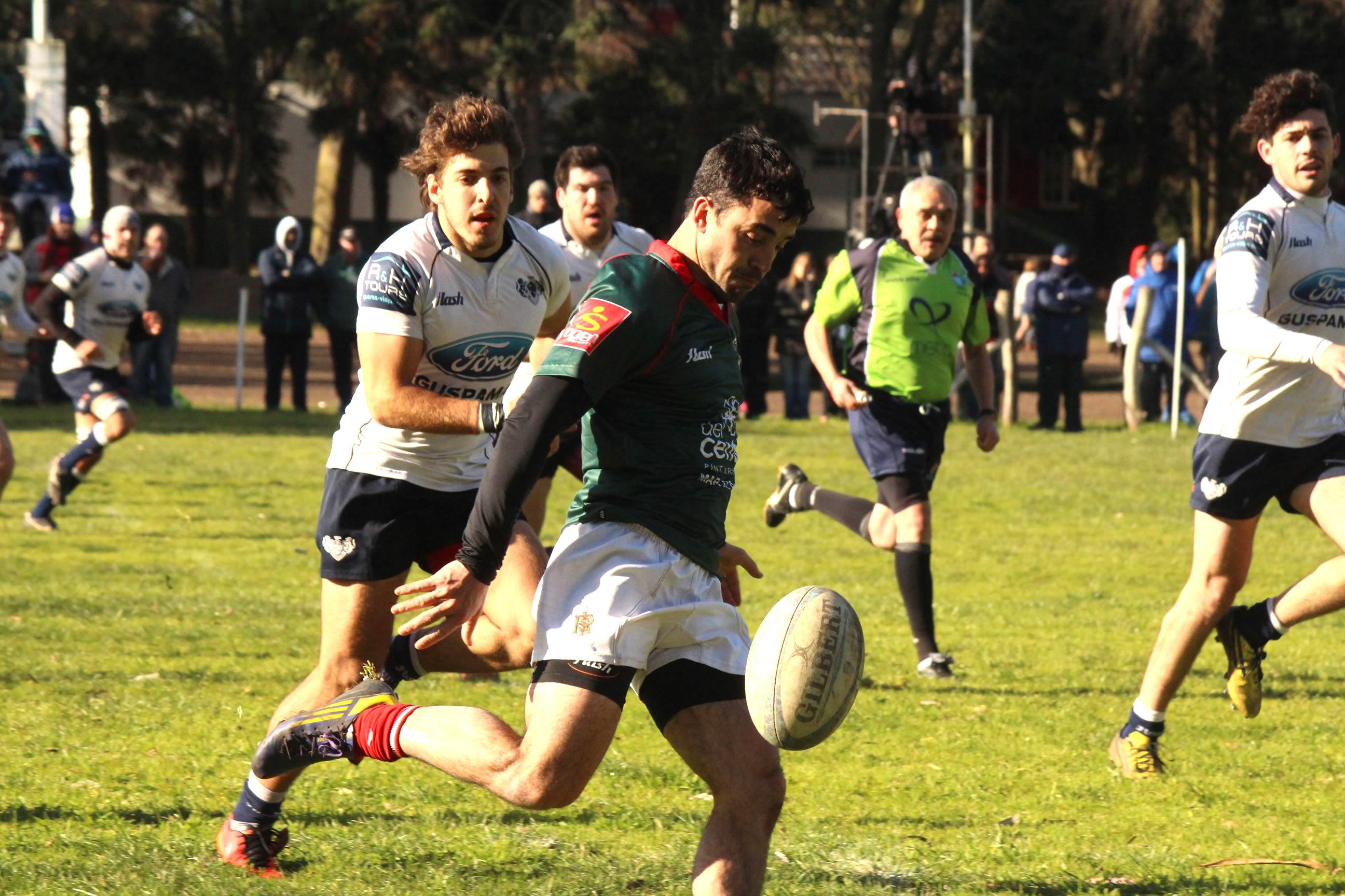 Fernando Álvarez ensayando un kick esta tarde. (Foto: Prensa URMDP)