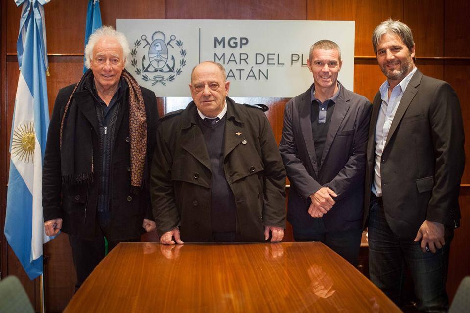 Guillermo Coppola, Arroyo, Gandly y Volponi luego de la reunión.