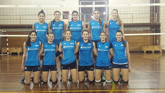 Azul Benítez (segunda abajo a la izquierda) tendrá una nueva experiencia continental con la selección argentina.
