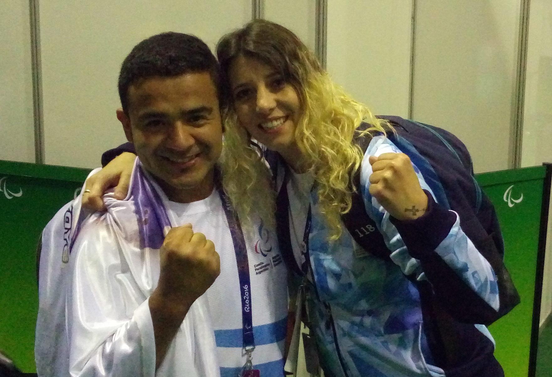David Coronel junto con su entrenadora Sofía Cadona luego de la competencia. (Foto: Prensa EMDER)