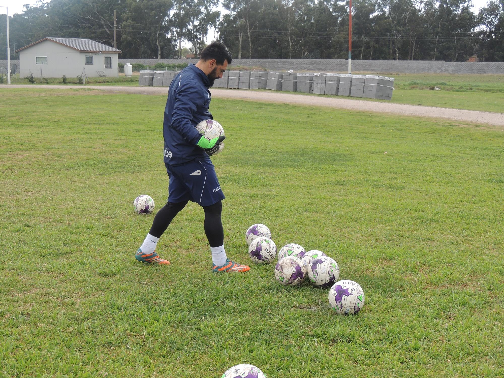 El entrenador de arqueros de Alvarado, Emiliano Torresani. (Foto: Prensa Alvarado)