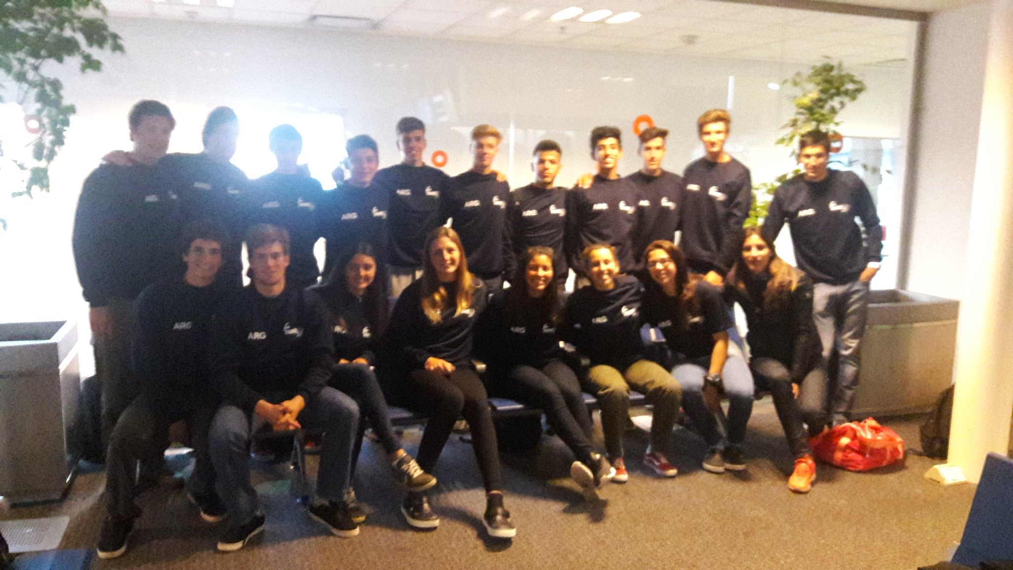 El equipo argentino antes de salir rumbo a Chile.
