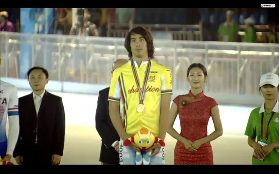 Ken Kuwada campeón mundial. Un argentino nuevamente en lo más alto del podio.