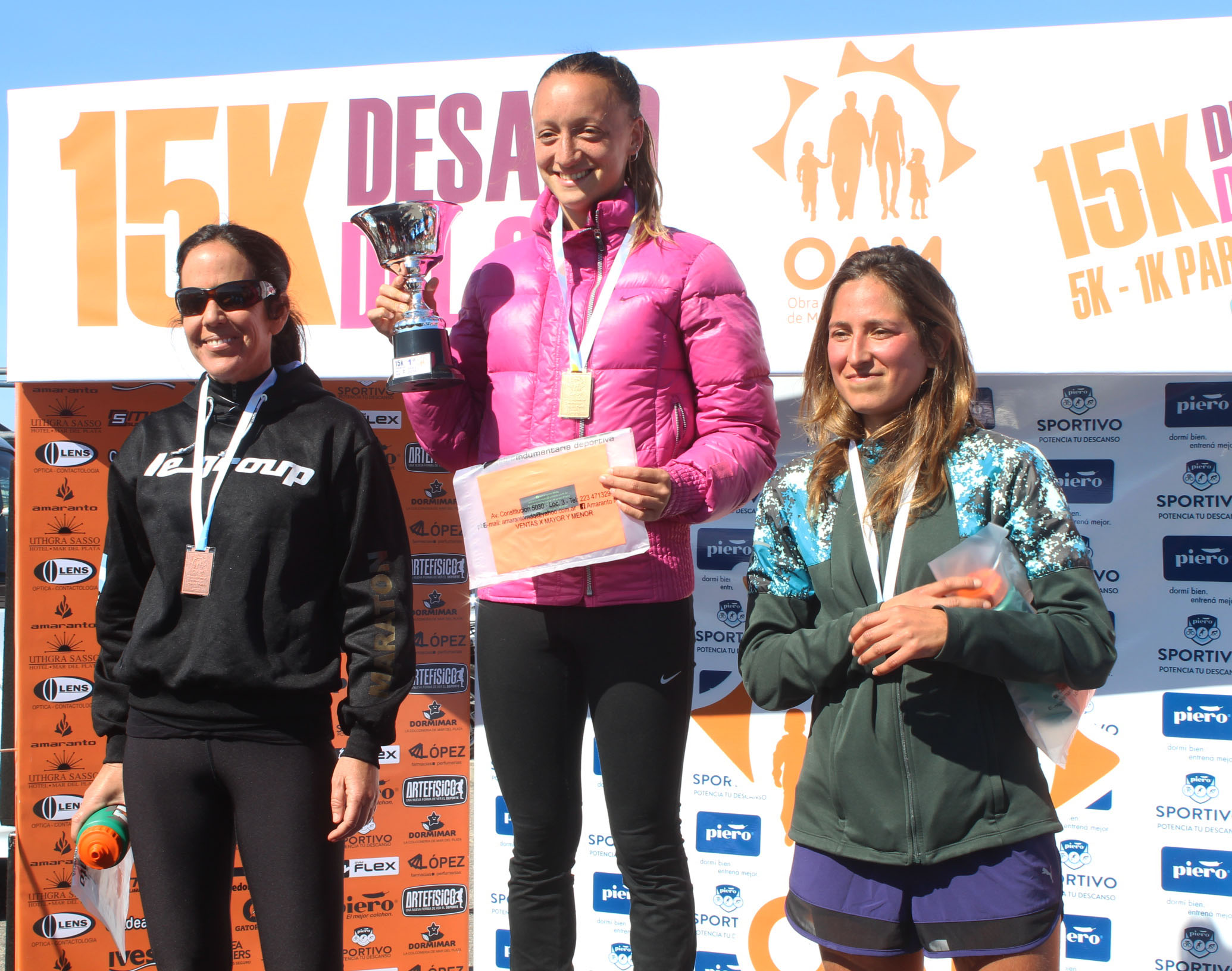 Mariana Borelli en lo más alto del podio femenino.