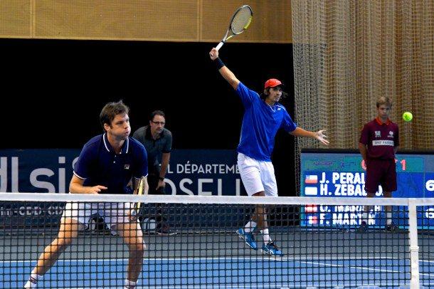 Horacio Zeballos y Julio Peralta jugarán la final de dobles en Metz.