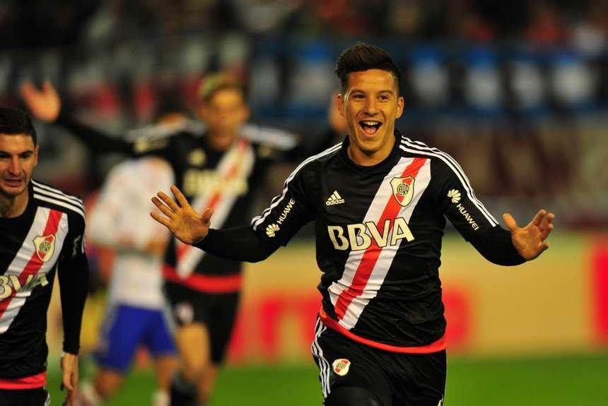 Sebastián Driussi celebra el primer gol del partido. (Foto: Marcelo Carroll)