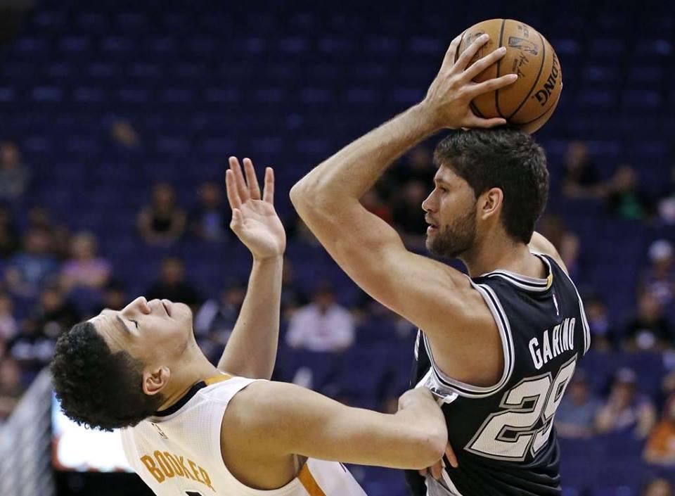 Patricio Garino tuvo su primer partido con los Spurs.