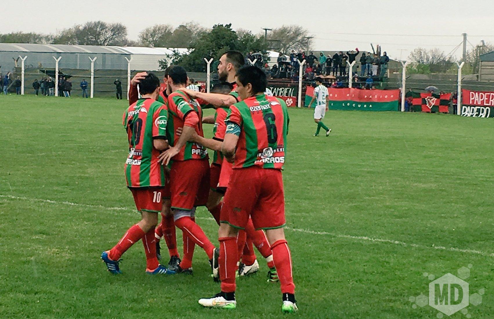 Cìrculo Deportivo festejando el gol de Portillo.