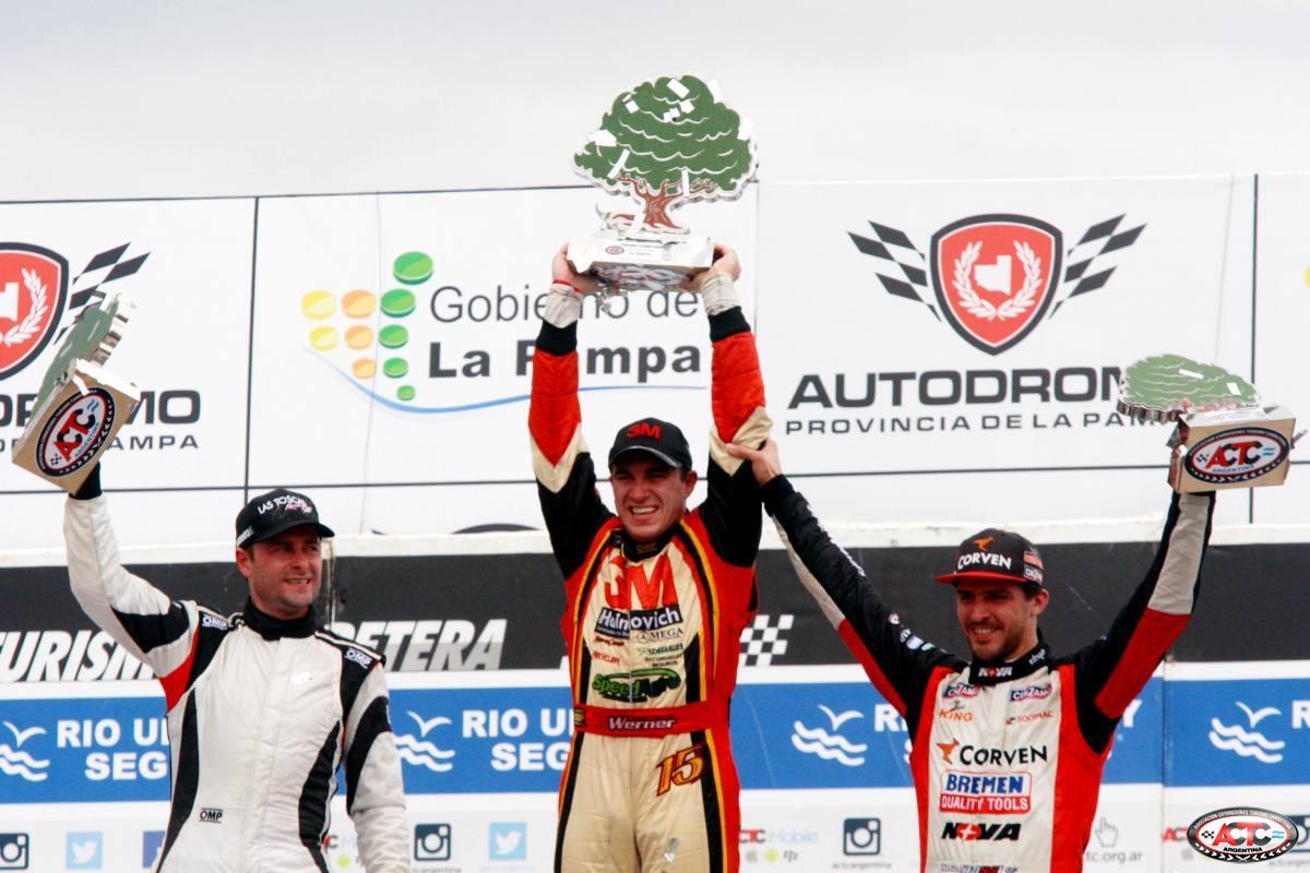Christian Ledesma en el podio de Toay. (Foto: Prensa ACTC)