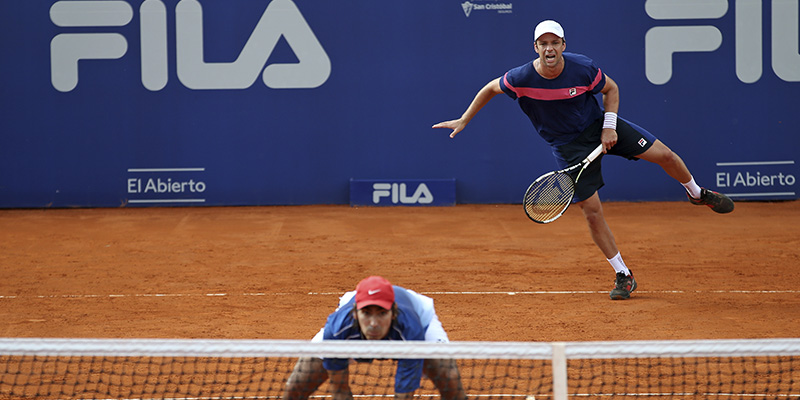 Zeballos y Peralta siguen adelante en Chile.