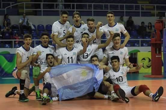 El euipo argentino celebrando el pasaje al mundial.