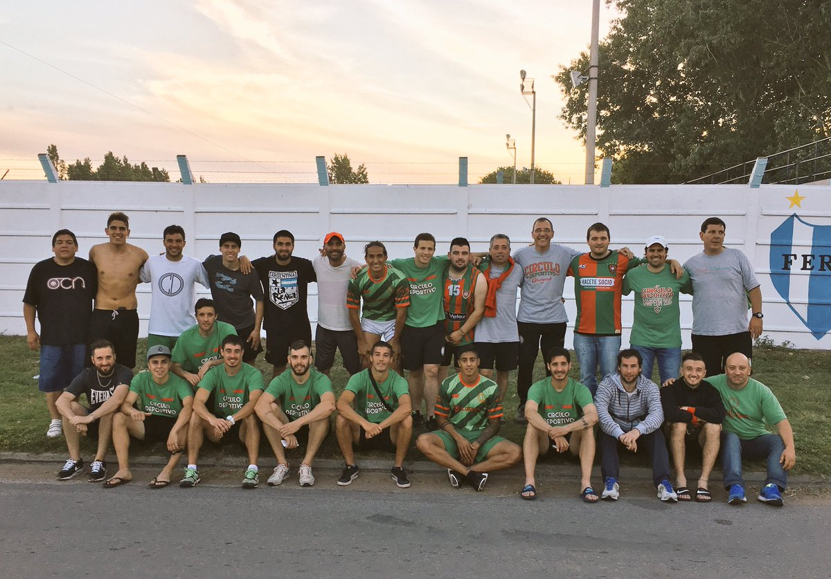 El grupo de Círculo Deportivo en la foto de final de año. (Foto: @ClubCirculo)