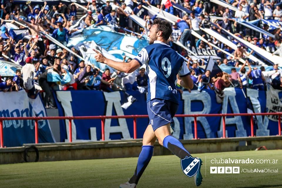 Joaquín Susvielles sigue anotando goles en Alvarado. (Foto: Florencia Arroyos - Club Alvarado)