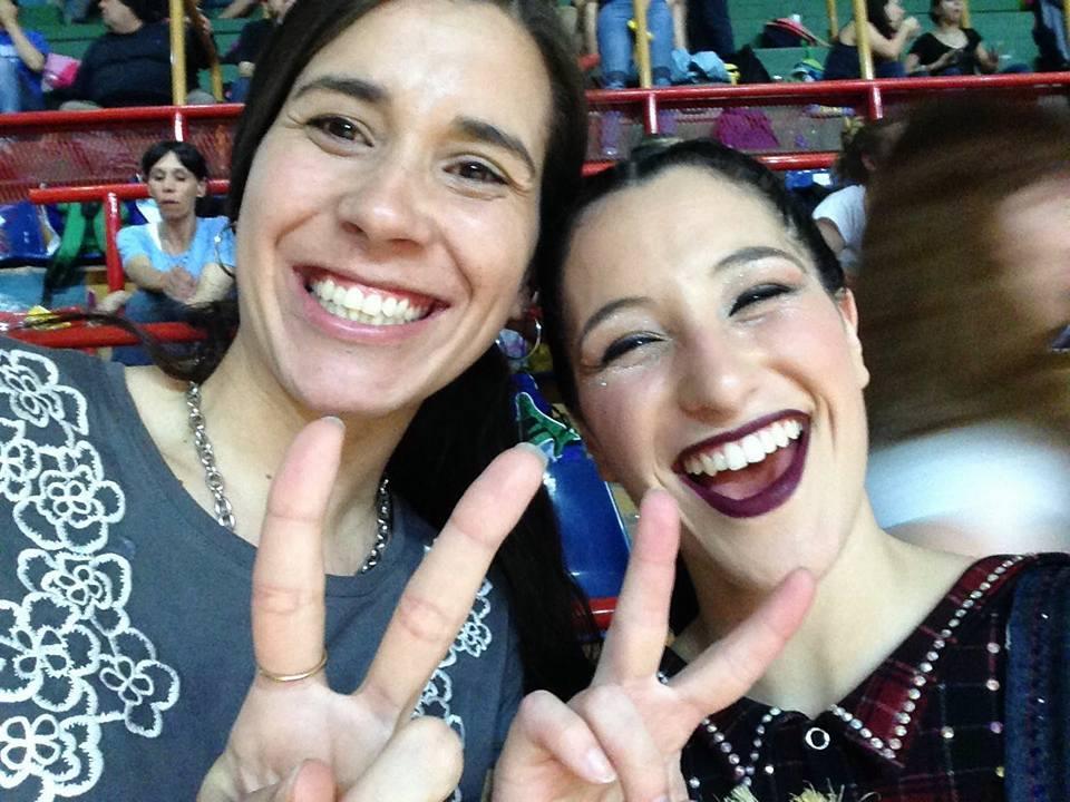 Guillermina Román y su entrenadora Sabrina D´Albis celebrando el segundo puesto.