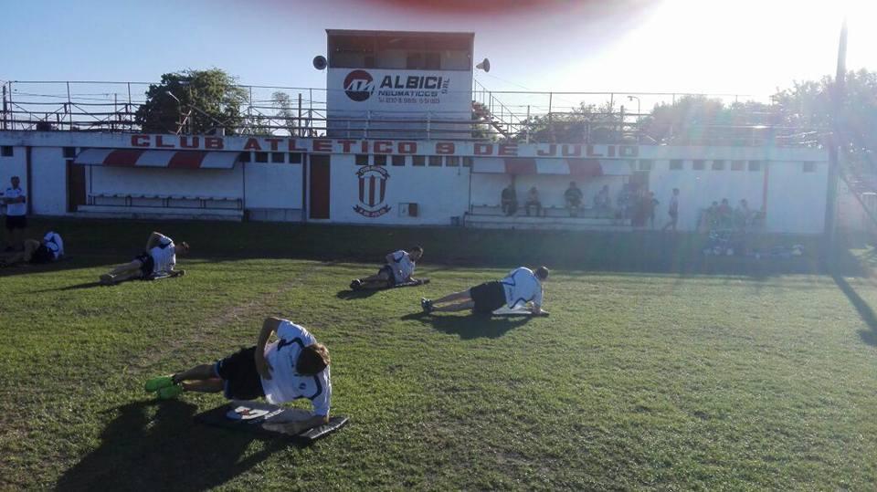 Alvarado entrenando bajo el sol de 9 de Julio. (Foto: Prensa Alvarado)